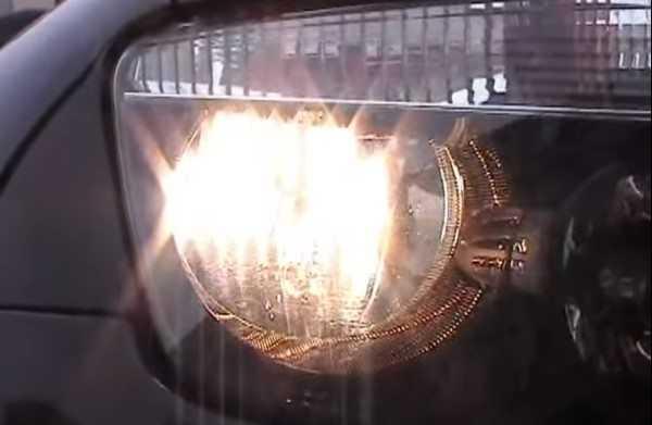 Ближний свет в Рено Дастер отличается хорошим качеством, если используются надежные лампочки