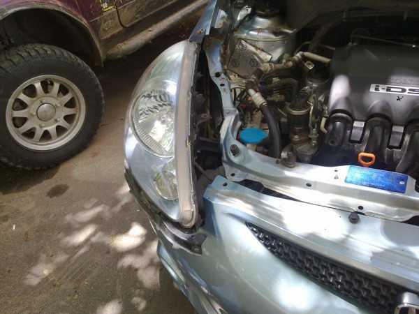 Демонтаж фары Honda Jazz