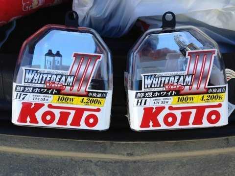 Лампы японской фирмы Koito заслужили очень хорошую репутацию среди автовладельцев