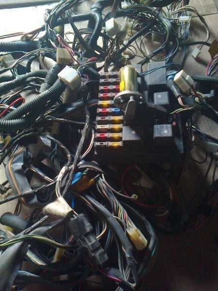 Замена проводки требует немало времени и внимательности