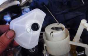 Установка сетки-фильтра бензонасоса