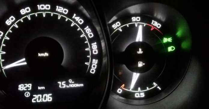 Стрелка температуры двигателя не поднимается