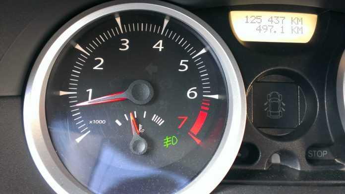 Прыгает скачет стрелка температуры двигателя