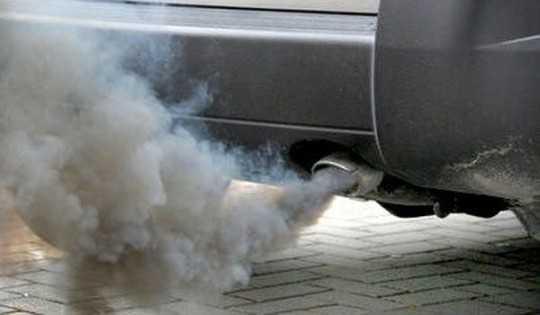 Черный дым после запуска двигателя причины