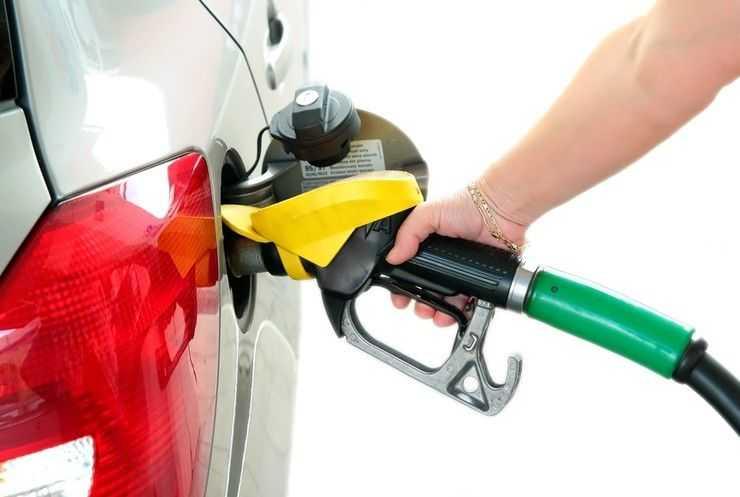 Заправка авто топливом