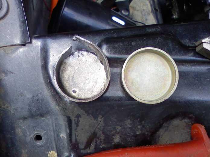 Как заменить заглушку в блоке двигателя