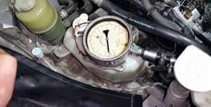 Проверка давления масла в двигателе