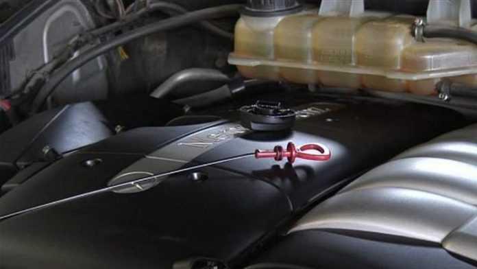Проверка качества масла в двигателе