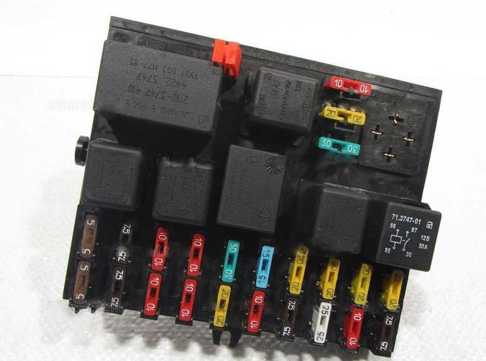 Блок предохранителя на ВАЗ-2112