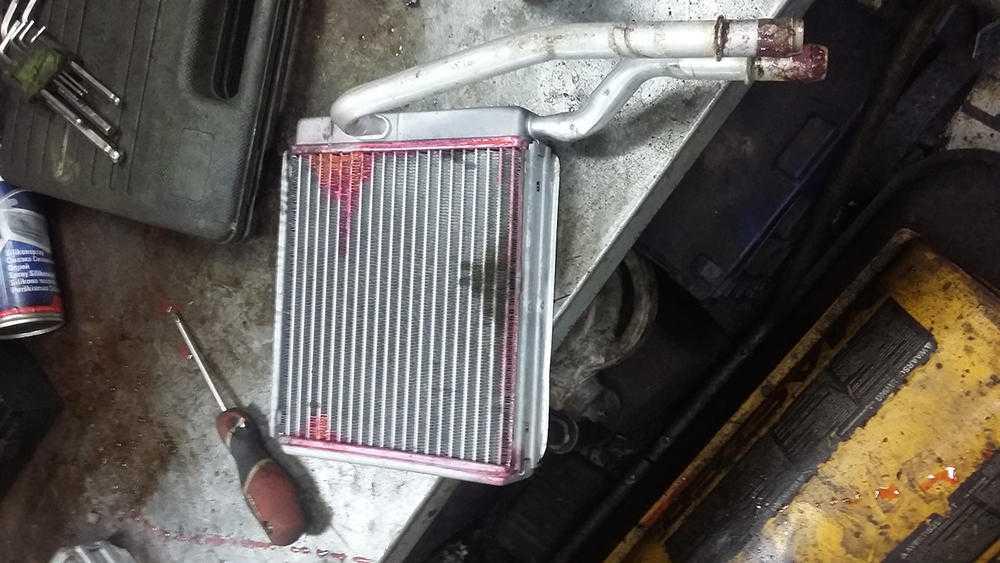 Засорение радиатора отопителя