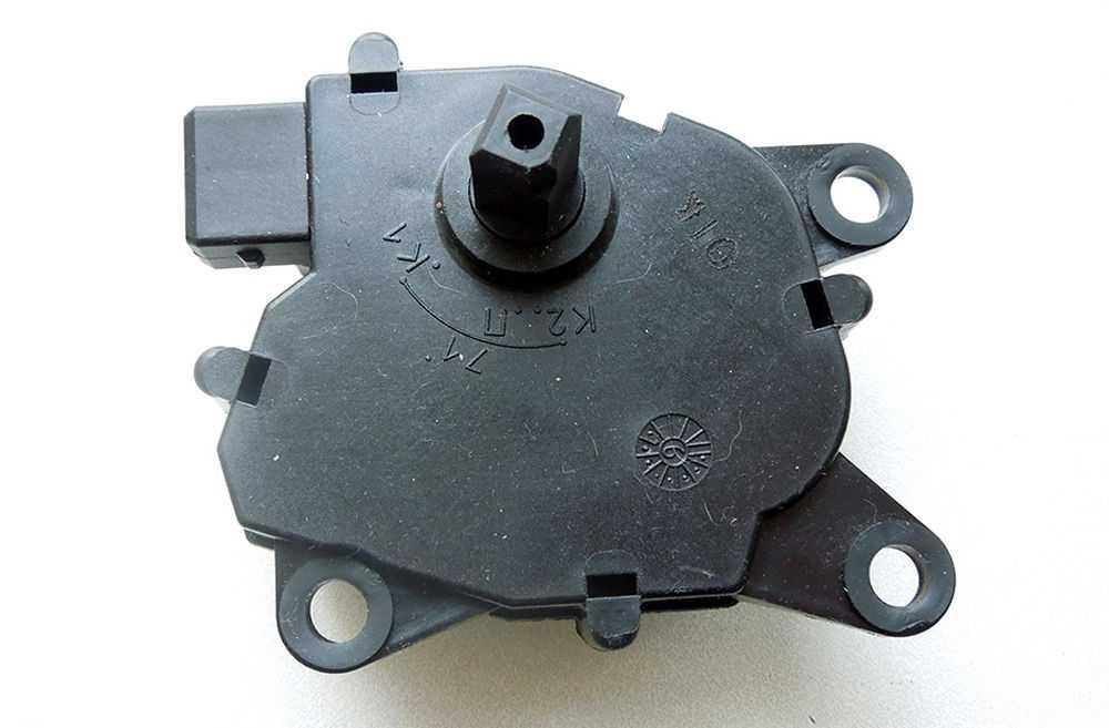 Микроредуктор заслонки печки ВАЗ-2110