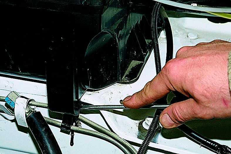 Снятие вентилятора печки Нива-21213