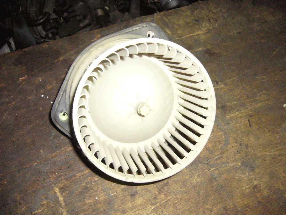 Вентилятор печки Шевроле Ланос
