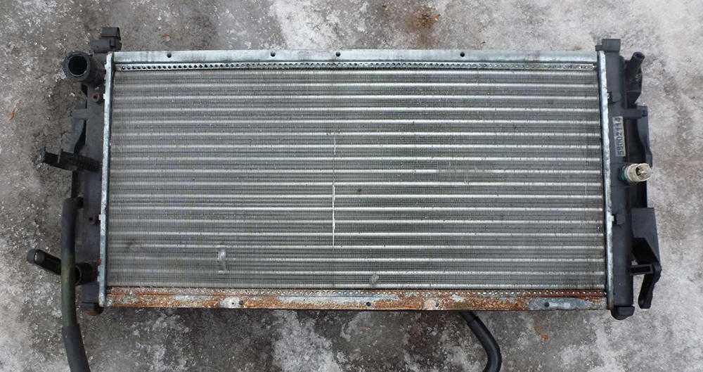 Забитый радиатор отопителя