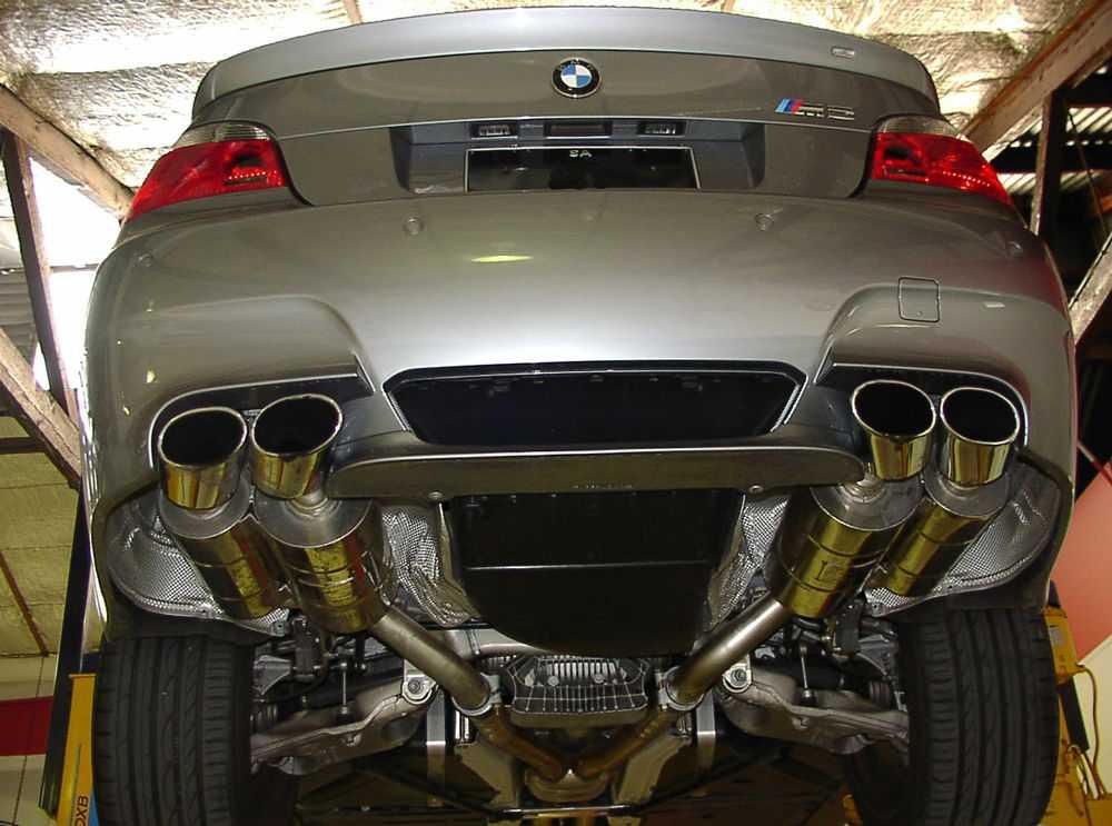 BMW с тюнингованным выхлопом