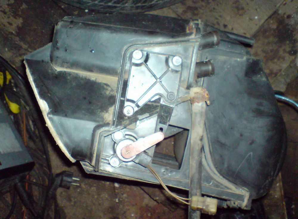 Блок реле и предохранителя ВАЗ-2110