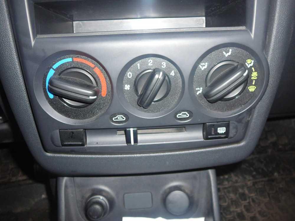 Блок управления печкой Hyundai Getz