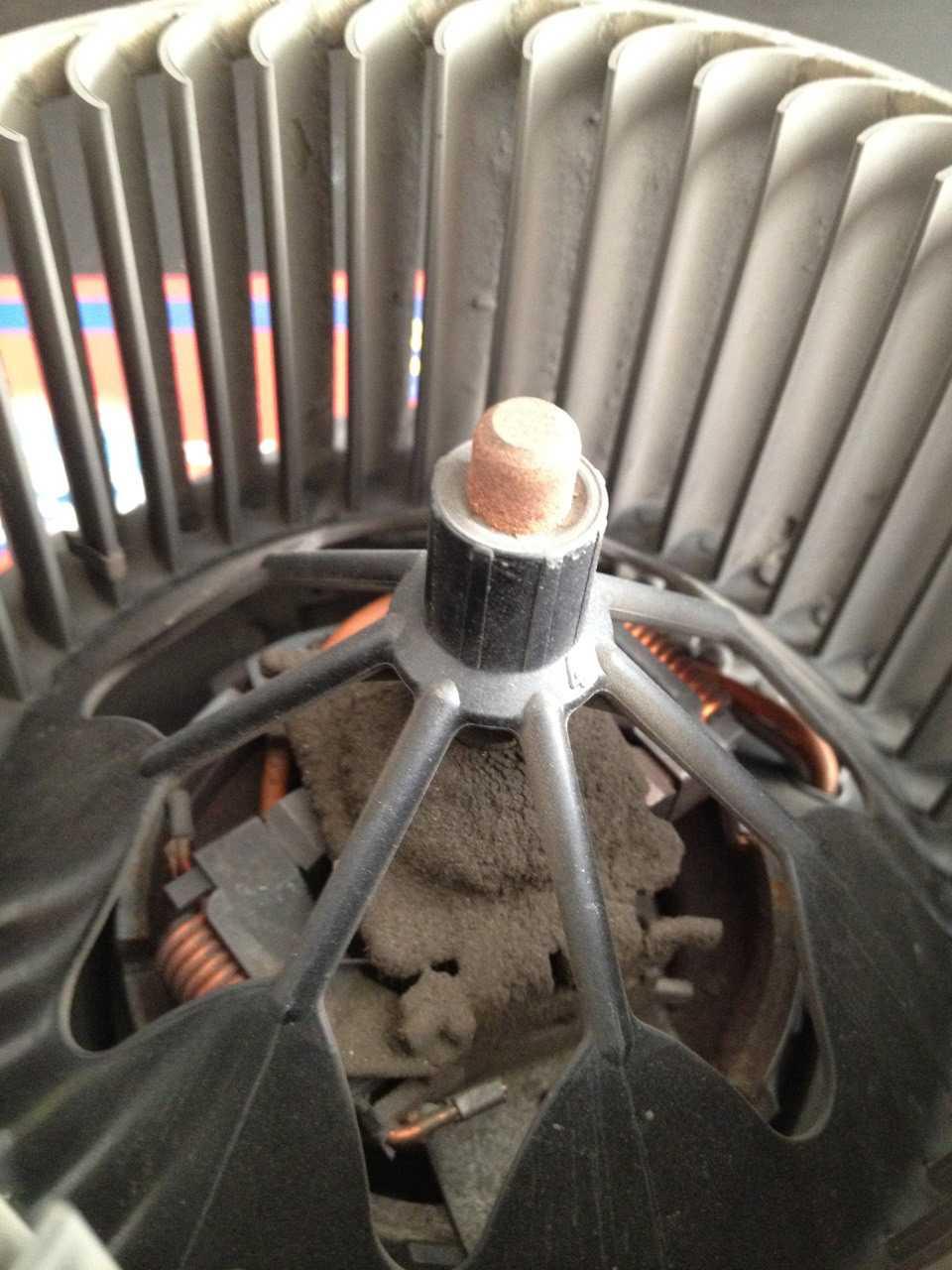 Чистка вентилятора печки Форд Фокус 2