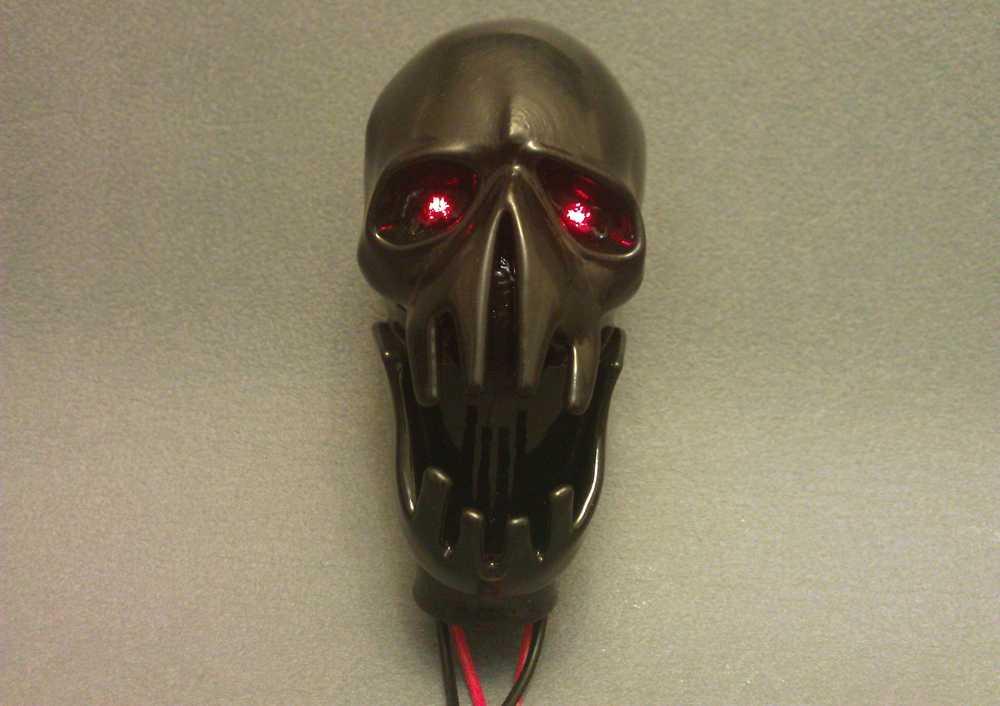 Набалдашник ручки КПП в виде черепа