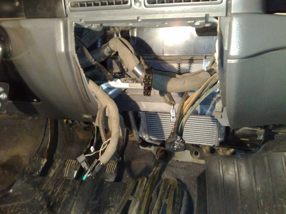Снятие радиатора печки Форд Фокус 1