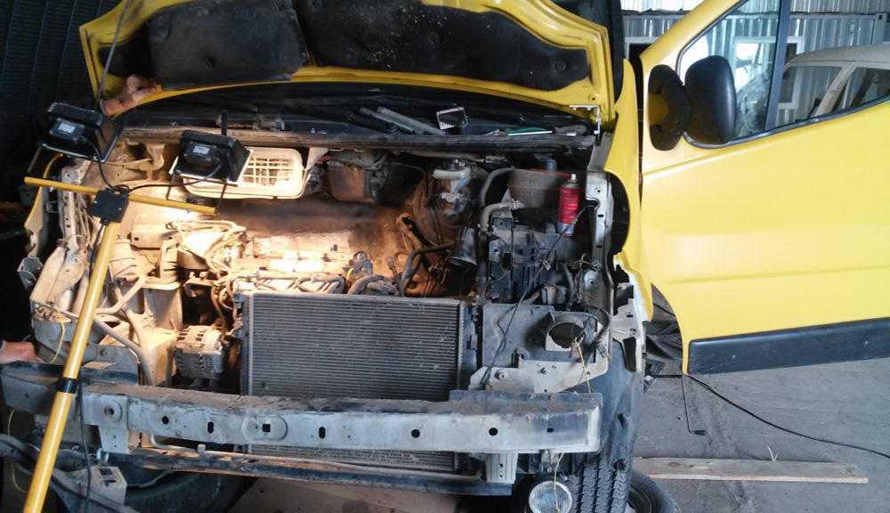 Демонтажрадиатора на Renault Master
