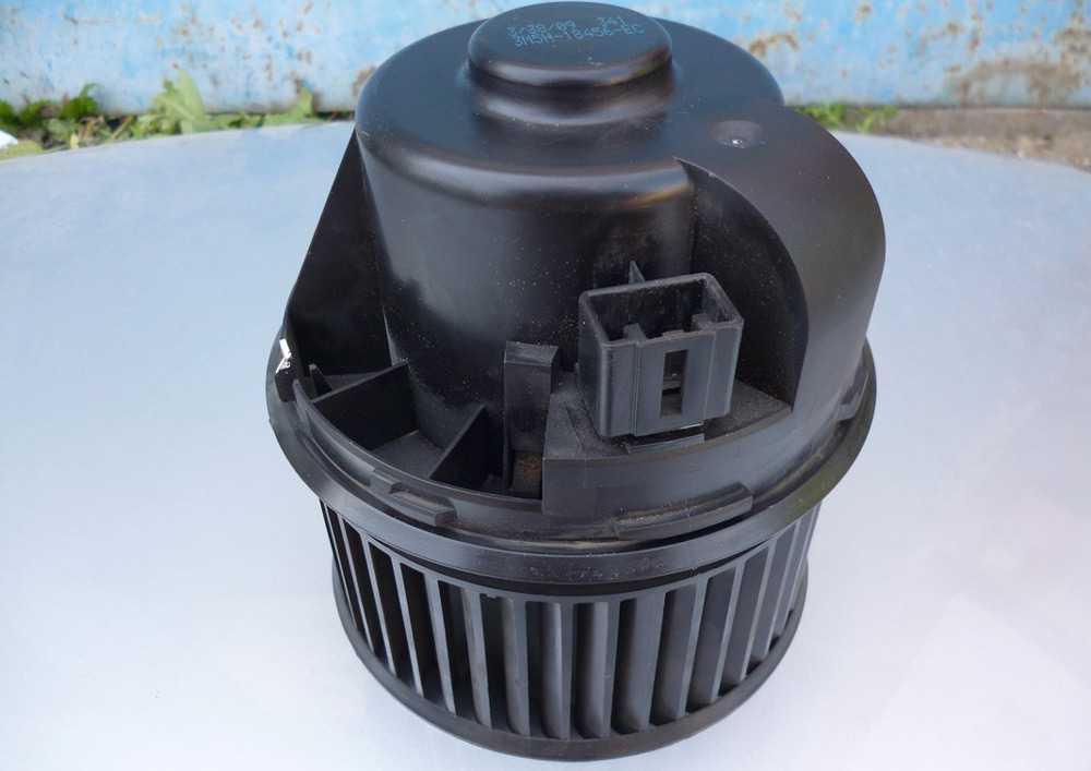 Вентилятор печки Форд Фокус 2