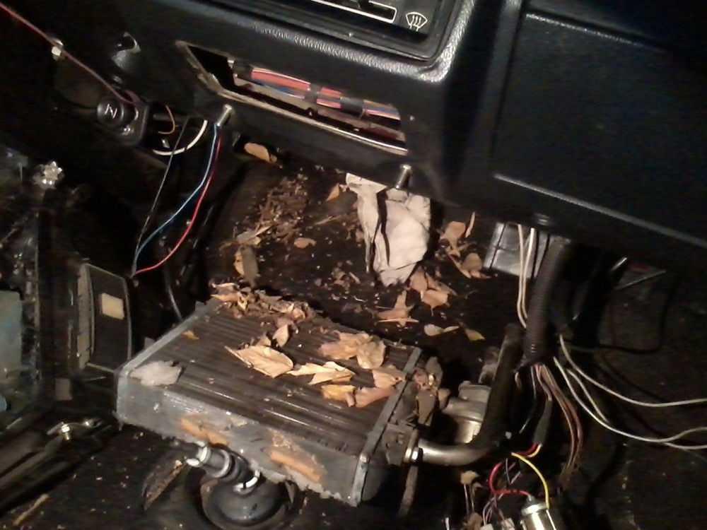 Загрязненный радиатор печки ВАЗ-2107