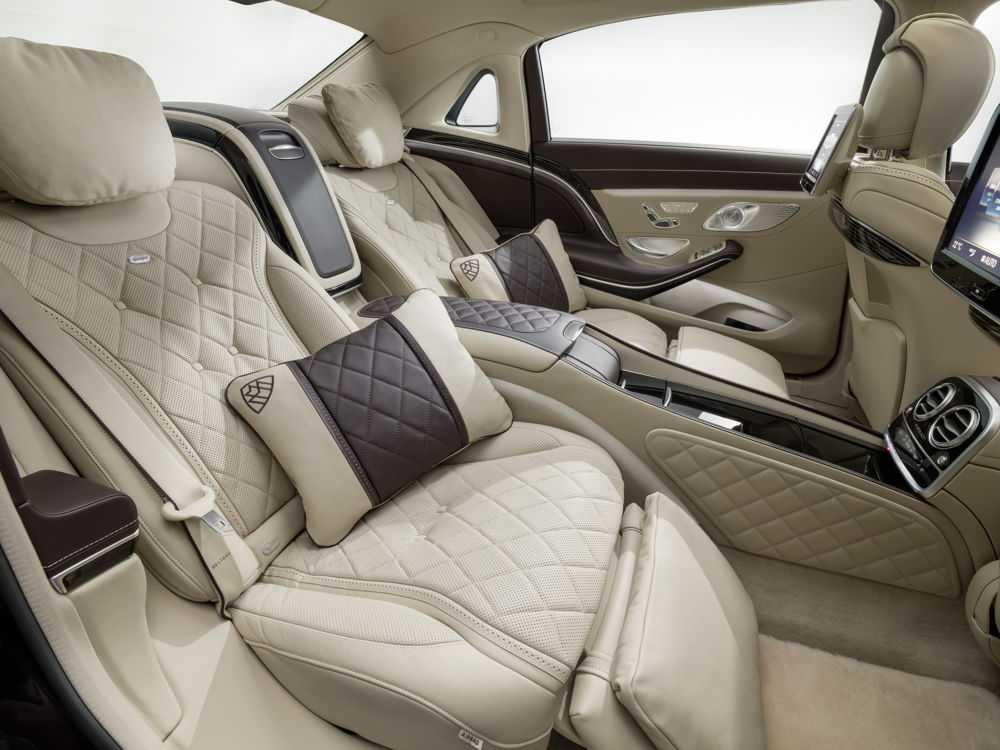 Салон автомобиля Mercedes Maybach