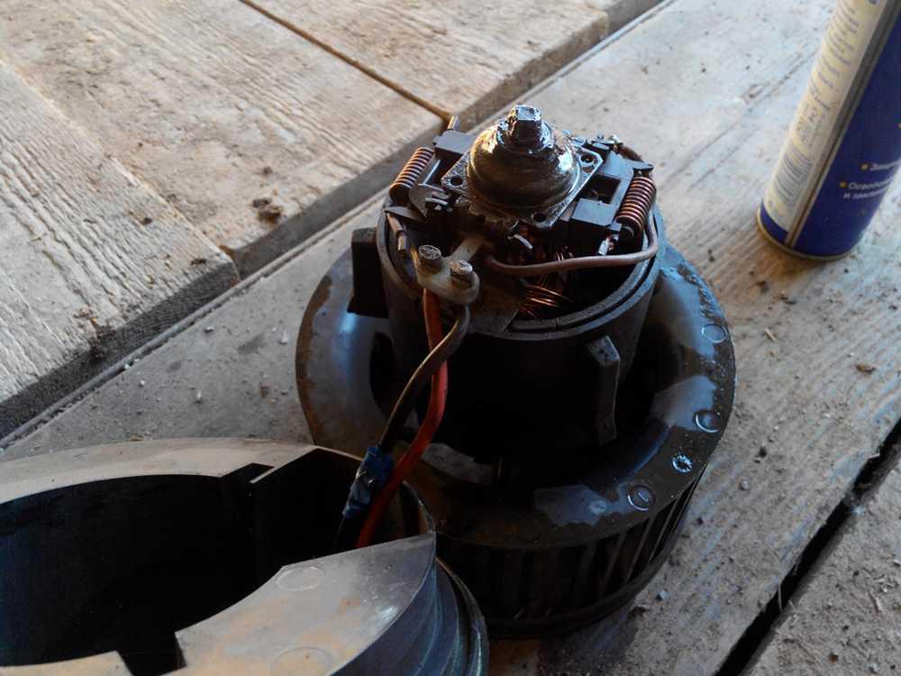 Мотор печки Форд Фокус 1