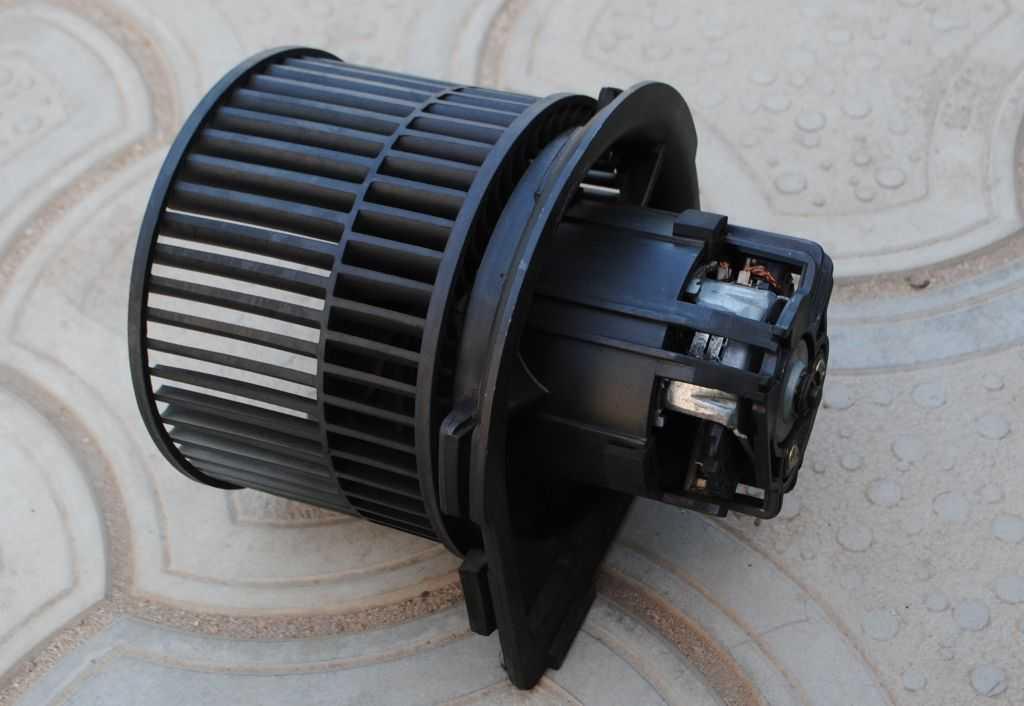 Двигатель печки