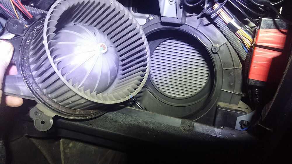 Мотор печки в УАЗ Патриот