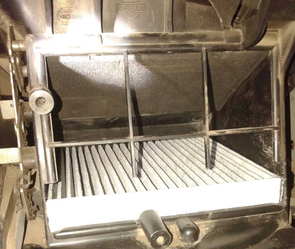 Воздушный фильтр салона Nissan