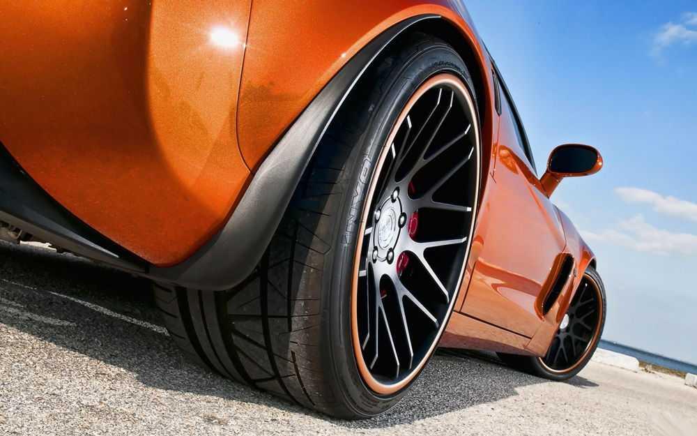 Автомобиль с низким профилем резины