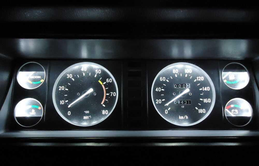 Панель приборов на ВАЗ-2107 с подсветкой