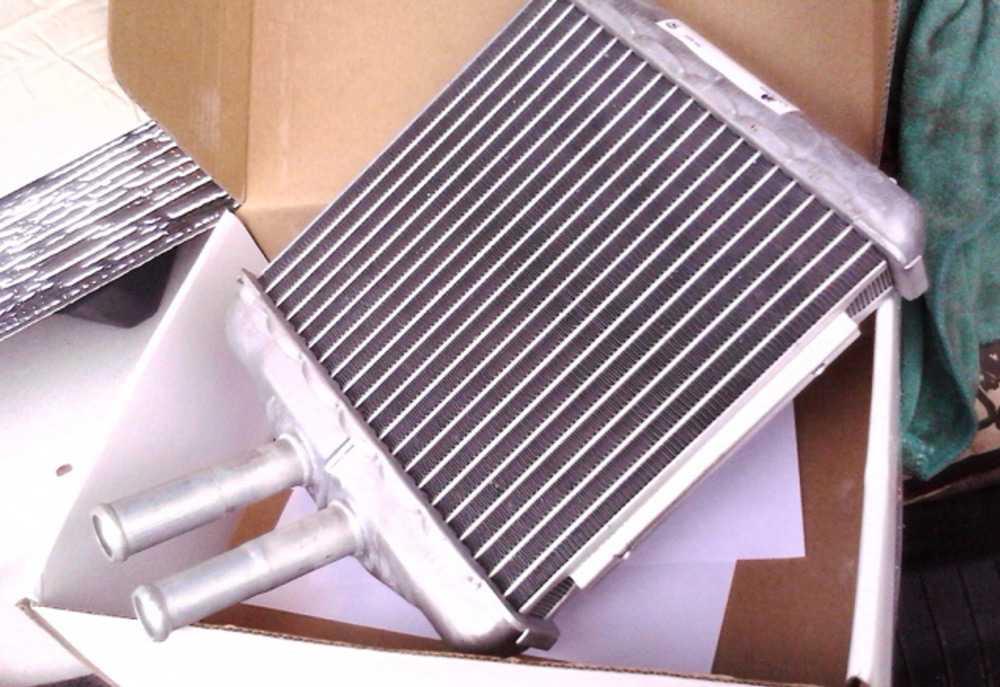Замена радиатора печки должна выполняться, если устройство полностью вышло из строя и не подлежит ремонту