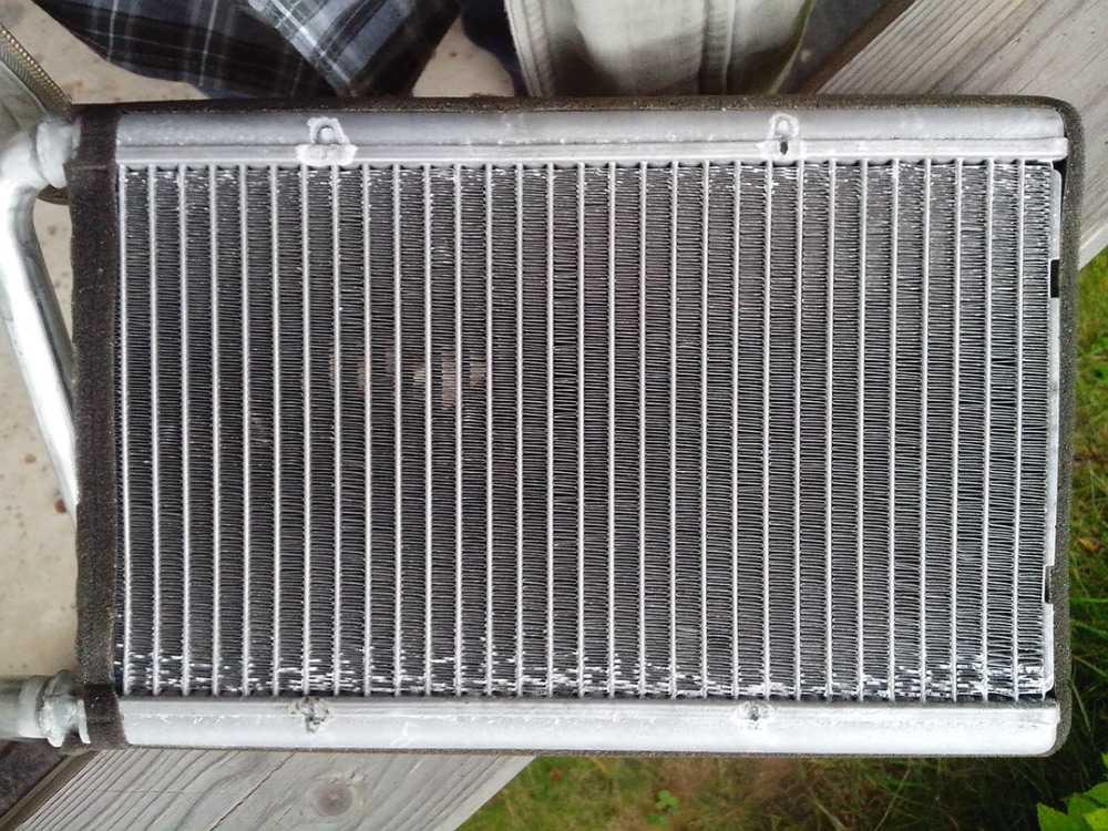 Радиатор печки Киа Соренто