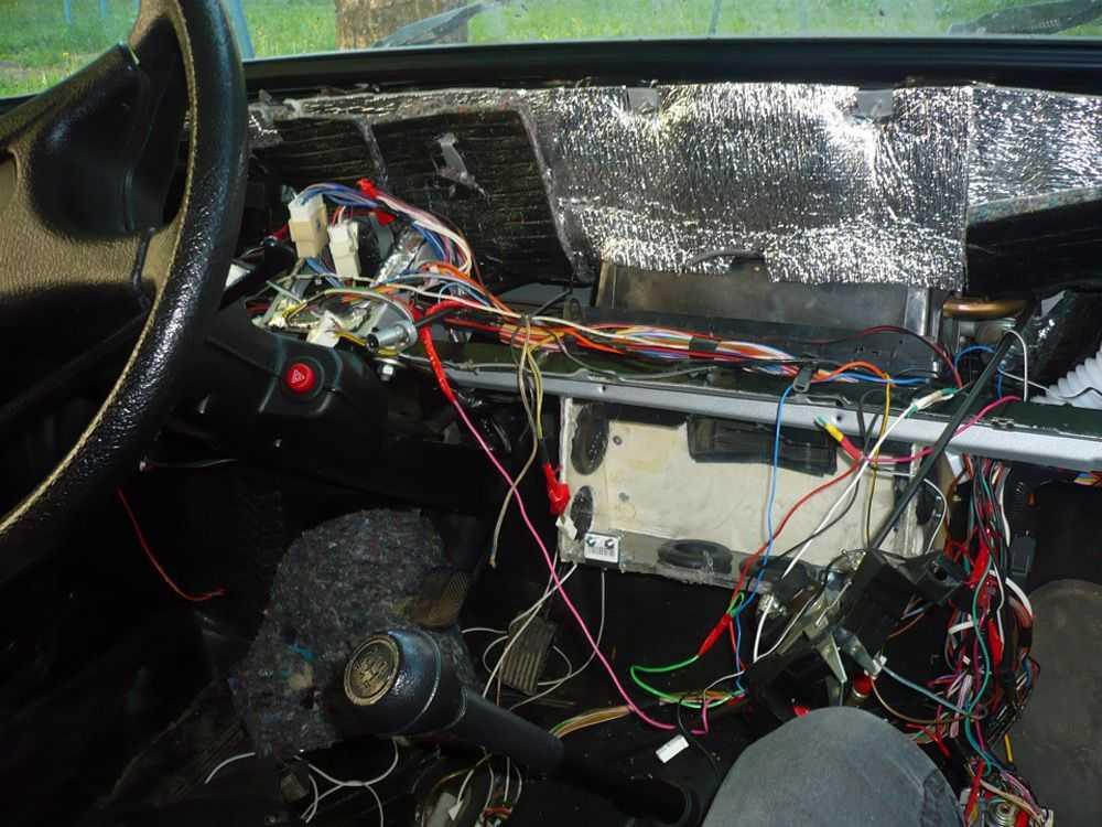 Разборка машины ВАЗ-2107