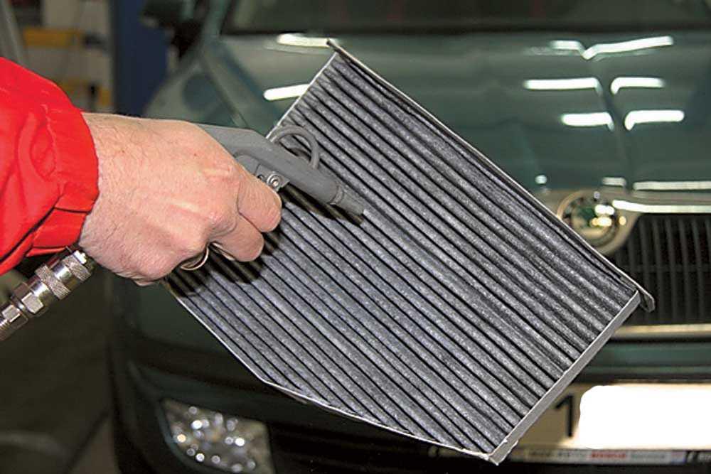 Очистка салонного фильтра автомобиля