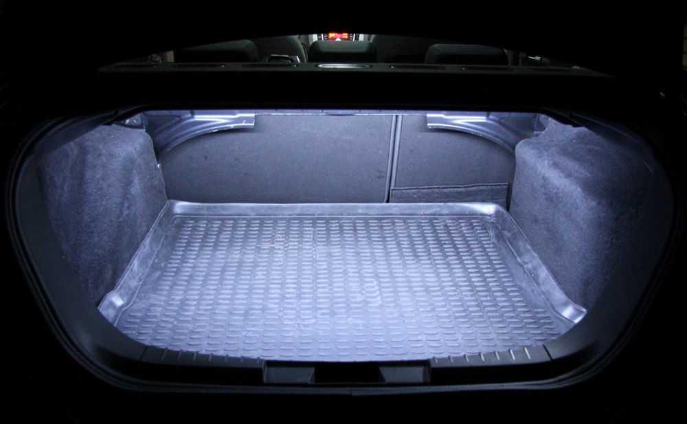 Светодиодная лента в багажнике