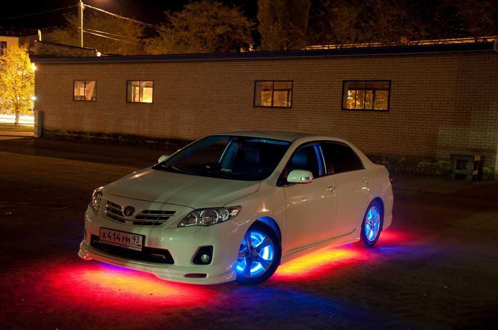 Автомобиль с подсветкой днища и дисков