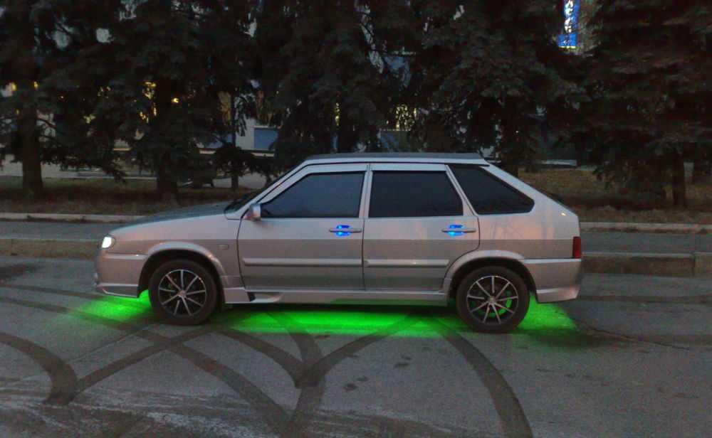 ВАЗ со светодиодной подсветкой днища