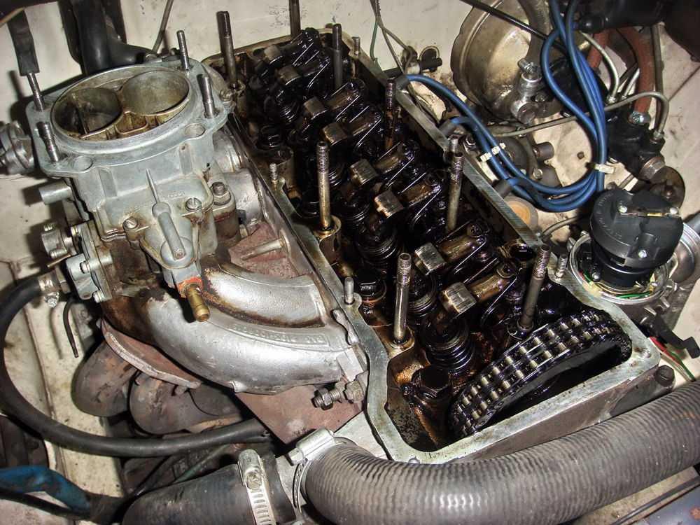 Двигатель ВАЗ 2106 разобран
