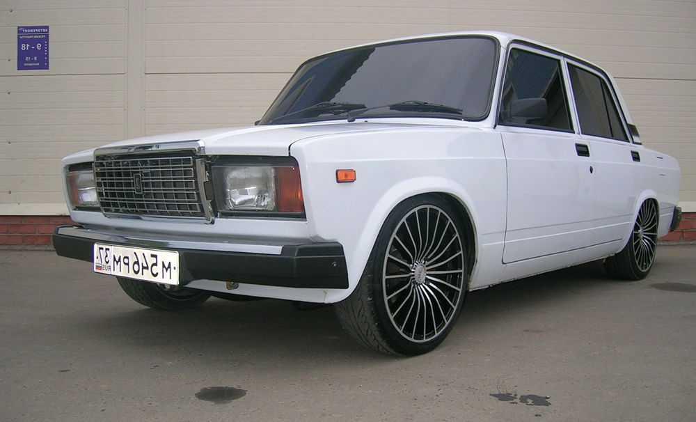 ВАЗ 2107 на колесах с низким профилем