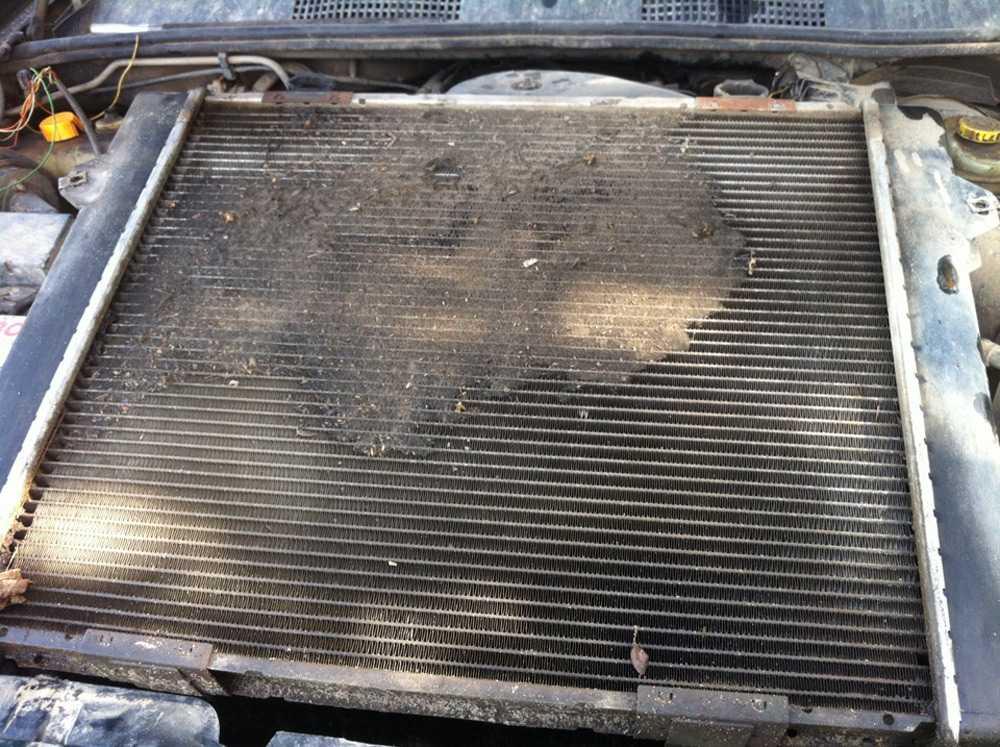 Загрязненный радиатор печки Киа Сид