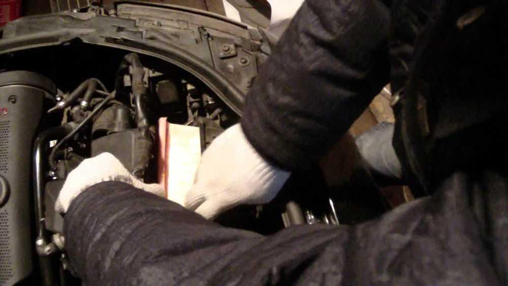Замена радиатора Audi A4