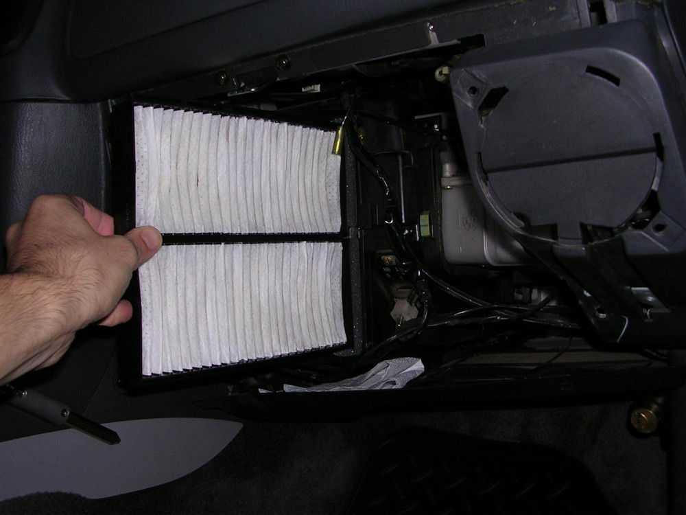 Замена салонного фильтра
