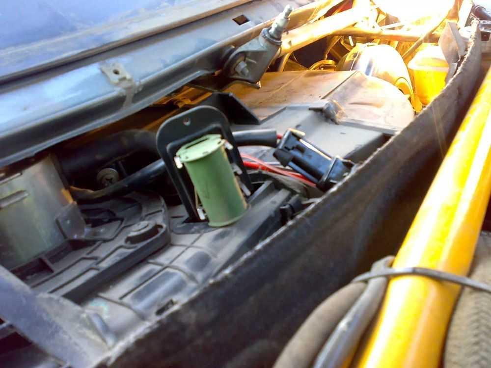 Замена резистора печки ВАЗ-2110
