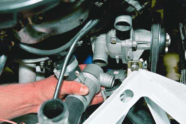 Замена термостата ВАЗ 2105