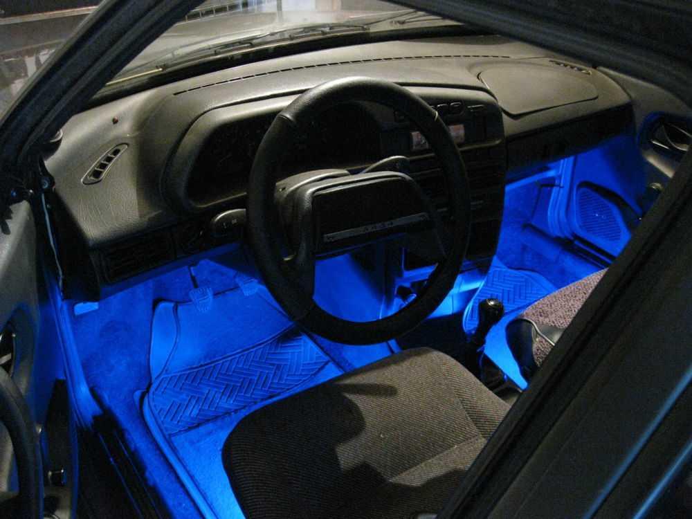 Lada с подсветкой ног в салоне
