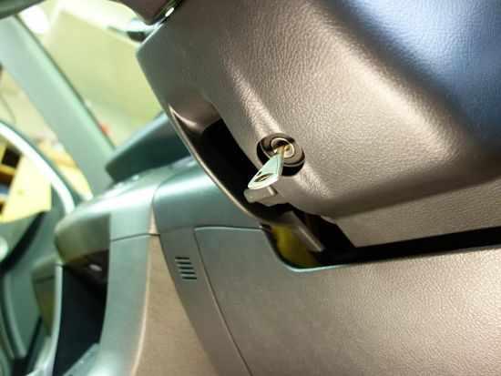 установка замка на рулевой вал